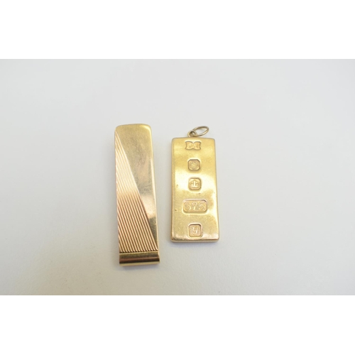 43 - Pendant 9Ct Yellow Gold Hallmarked 25.2G Miscellaneous 9Ct Yellow Gold Hallmarked 6.7G. Total Weight...