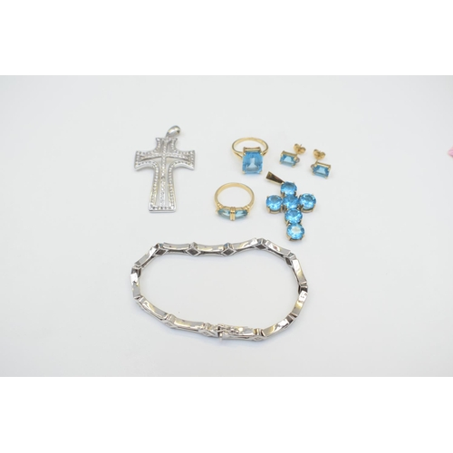 52 - Stone Ladies Ring 14Ct Yellow Gold Non-hallmarked 4.26G Stone Earrings 14Ct Yellow Gold Non-hallmark...