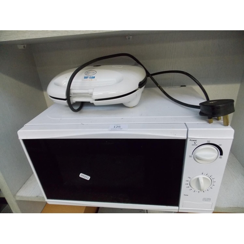 126 - TWO ITEMS - A SANDWICH TOASTER AND A TESCO 700 WATT MICROWAVE W/O...