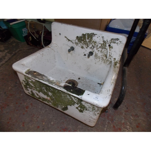93 - A SMALL HIGH BACKED VINTAGE BELFAST SINK...