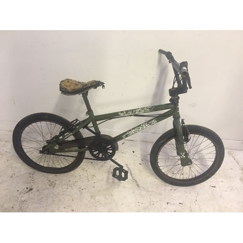2 - THREE BIKES TO INCLUDE A GREEN X-RATED BMX, A BLUE HARLEM SX100 BMX AND A PINK SABRE ODYSSEY DUAL SU...