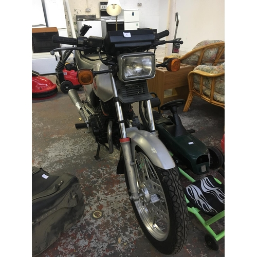 13 - A SILVER 1983 HONDA CB125 SUPERDREAM 4 STROKE TWIN MOTORCYCLE WITH 9 PREVIOUS OWNERS, GOOD TYRES, 14...