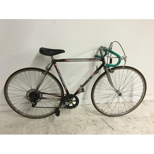 5 - A PURPLE AND GREY VINTAGE TOWNSEND MARATHON MENS RACING BIKE WITH FIVE SPEED SHIMANO GEAR SYSTEM...