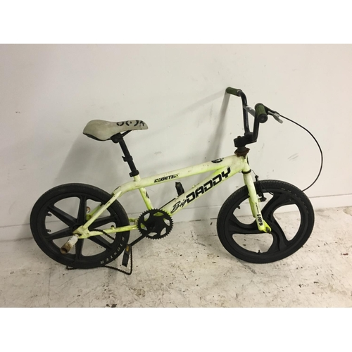 6 - TWO BMX BIKES TO INCLUDE A YELLOW BIG DADDY ROOSTER WITH PLASTIC MAG WHEELS AND STUNT PEGS, AND A RE...