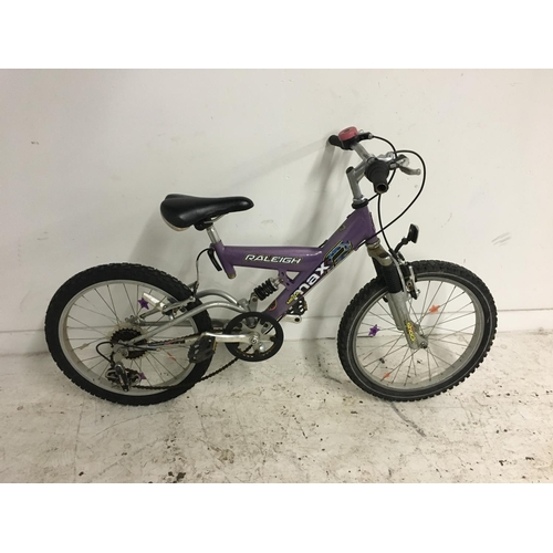 8 - TWO BIKES TO INCLUDE A PURPLE AND GREEN RALEIGH CAMARO GIRLS TOURING BIKE WITH SIX SPEED SHIMANO GEA...