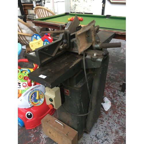 15 - A GOOD QUALITY VINTAGE HEAVY CAST IRON MULTICO MODEL B1 MAINS ELECTRIC PLANER WITH GUIDES ETC...