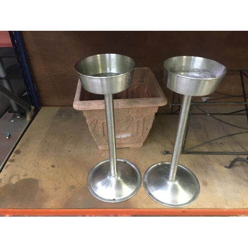 40 - EIGHT ITEMS TO INCLUDE WROUGHT IRON CANDLE STICKS, STAINLESS STEEL PLANT STANDS, PLASTIC GARDEN PLAN...