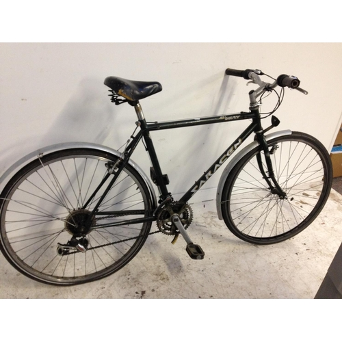 13 - A GREEN SARACEN HYWAY TRAIL GENTS TOURING BIKE WITH QUICK RELEASE FRONT WHEEL, SPRUNG SADDLE AND 18 ...