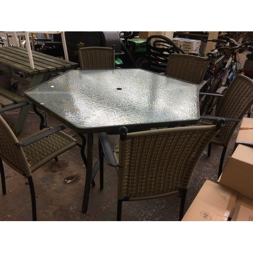 45 - SIX ITEMS TO INCLUDE A BLACK METAL HEXAGONAL GLASS TOPPED GARDEN TABLE WITH FIVE MATCHING PLASTIC WI...