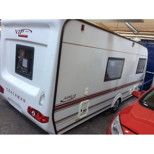 31 - A WHITE COACHMAN VIP 520/4 YEAR 2000 SINGLE AXLE TOURING CARAVAN WITH TRUMATIC BLOW AIR CENTRAL HEAT...