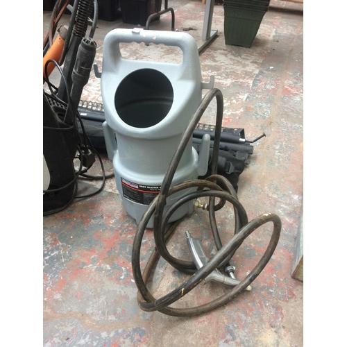130 - A MIXED LOT TO INCLUDE A RED AND BLACK ELECTRIC PRESSURE WASHER WITH HOSE AND LANCE, MANUAL PRESSURE...