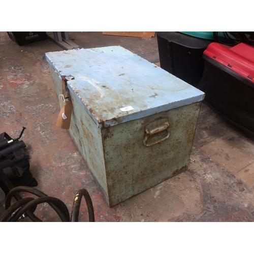 131 - A BLUE PAINTED HEAVY DUTY TOOL BOX...