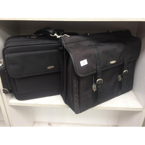 152 - TWO GOOD QUALITY TECHAIR LAPTOP BAGS...