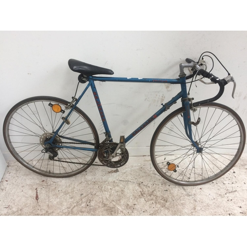 2 - A VINTAGE BLUE KALKHOFF MEN'S RACING BIKE WITH 10 SPEED SIMPLEX GEAR SYSTEM...