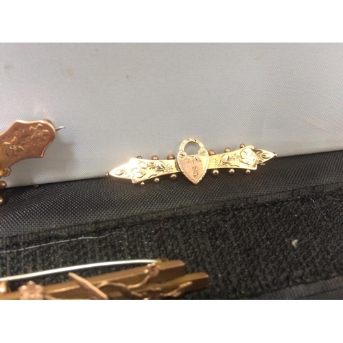 407 - THREE 9CT GOLD SWEETHEART BROOCHES (APPROX WEIGHT 7 GRAMS)...
