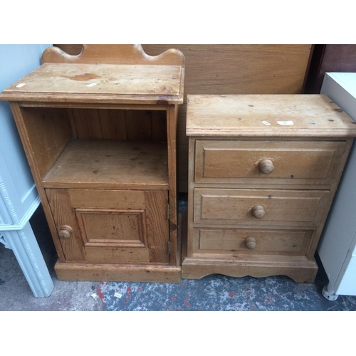 452 - TWO ITEMS TO INCLUDE A PINE CHEST OF THREE DRAWERS AND A PINE BEDSIDE CABINET WITH SINGLE DOOR...