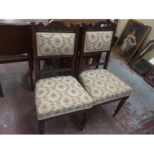 538 - A PAIR OF EDWARDIAN MAHOGANY DINING CHAIRS...