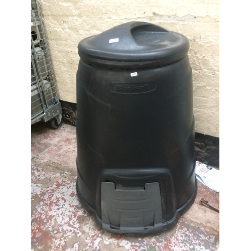 71 - A LARGE BLACK PLASTIC BLACKWALL GARDEN COMPOSTER...