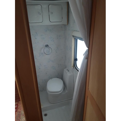 19 - A WHITE 2006/07 ELDDIS AVANTE 534 TWO WHEELED CARAVAN, FOUR BIRTH WITH FIXED DOUBLE BED, EXCELLENT P...