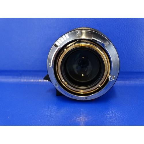 420 - A LEICA SUMMILUX-M 50MM F1.4 ASPH 6 CODE LENS AND CASE...