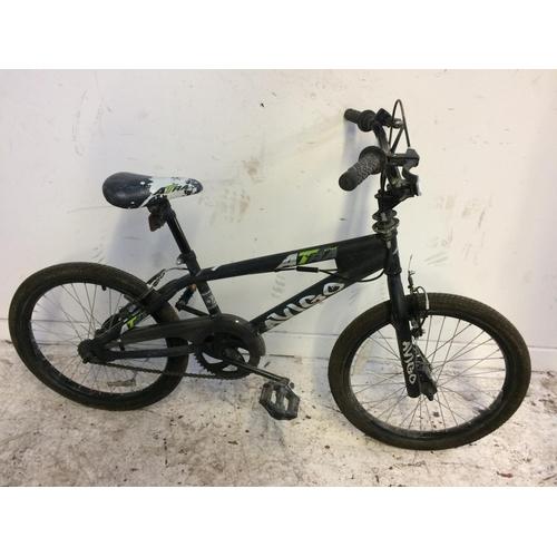 1 - A BLACK AVIGO FREESTYLE BOY'S BMX...