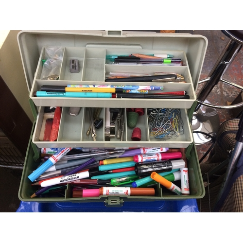 15 - FOUR ITEMS - TWO PLASTIC STORAGE UNITS AND A PLASTIC TOOLBOX CONTAINING ART AND CRAFT ITEMS AND A SM...