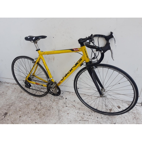 5 - A YELLOW VIKING LIGHTWEIGHT MEN'S RACING BIKE WITH QUICK RELEASE WHEELS AND 18 SPEED SUNRACE GEAR SY...