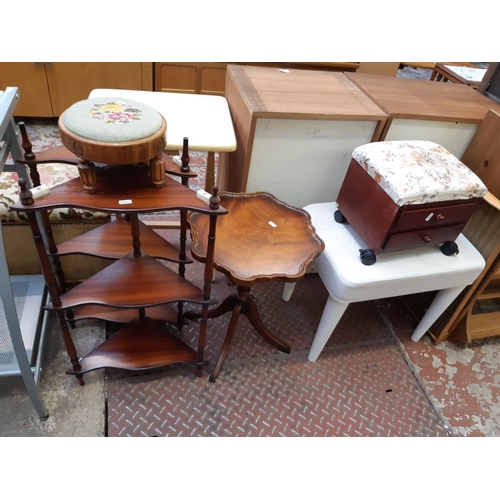 635 - SIX ITEMS TO INCLUDE A SMALL TWO DRAWER SEWING BOX, A WHITE UPHOLSTERED DRESSING TABLE STOOL ON TAPE...