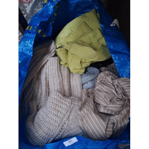 181 - A BAG OF VARIOUS LADIES SIZE 14-16 CLOTHING TO INCLUDE M&S TROUSERS, BONMARCHE, TU CLOTHING ETC....