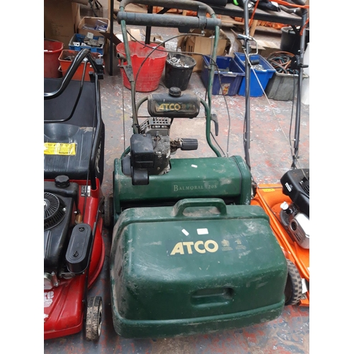 186 - A GREEN ATCO BALMORAL 20S PETROL LAWN MOWER WITH GRASS COLLECTOR...