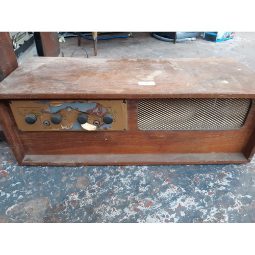 542 - THREE ITEMS OF VINTAGE LEAK HI-FI EQUIPMENT TO INCLUDE A LEAK VARISLOPE 2 PREAMPLIFIER AND TROUGH LI...