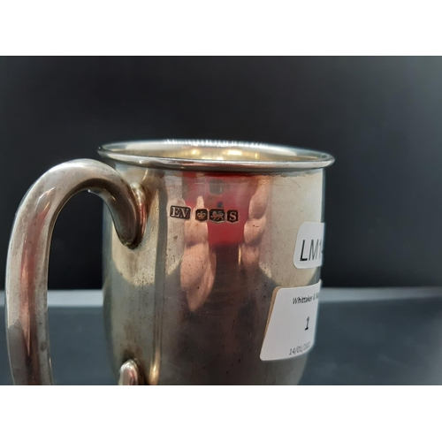 1 - A hallmarked Sheffield silver tankard by Viners Ltd dated 1960 - approx. 187.52 grams...