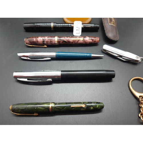 41 - Various items to include four various fountain pens with 14ct gold nibs - three Conway Stewart and o...