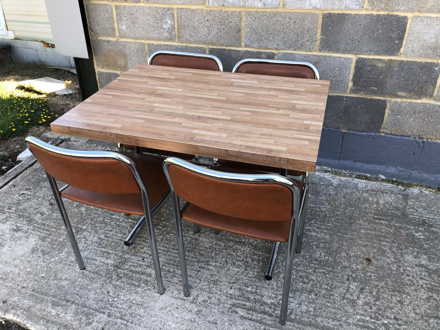 Image of: A Vintage Chrome Kitchen Table With Formica Top Togeter With 4 Matching Chairs 70 X 100cm