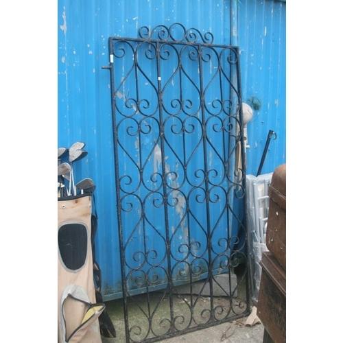 53 - LARGE METAL GATE...