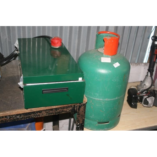 24 - CAMPING GAS COOKER WITH FULL BOTTLE OF GAS...