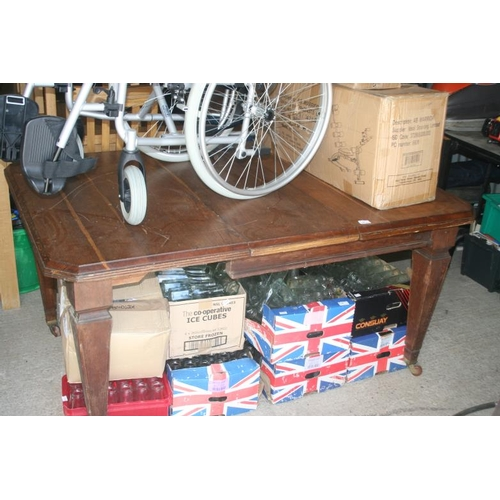 36 - LARGE TABLE WITH WINDING HANDLE...