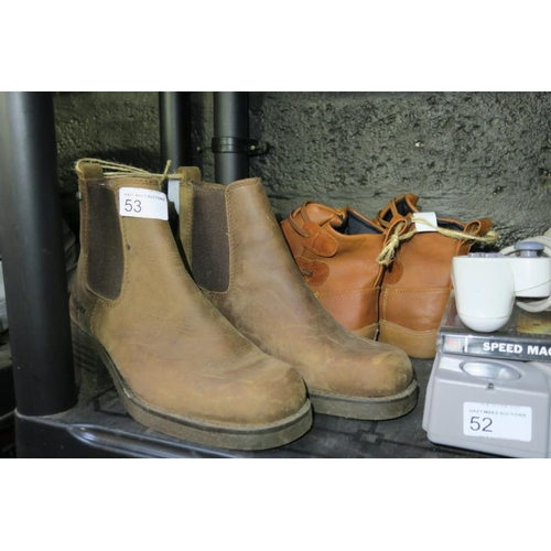 53 - WOMAN BOOTS SIZE 5 AND SIZE 6...