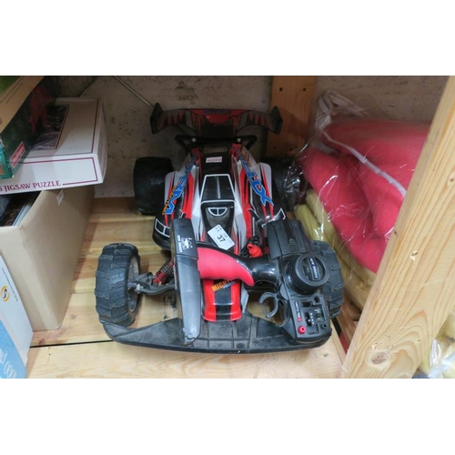 37 - XTREM RC CAR...