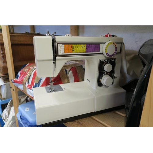 7 - TOYOTA 8002 SEWING MACHINE...