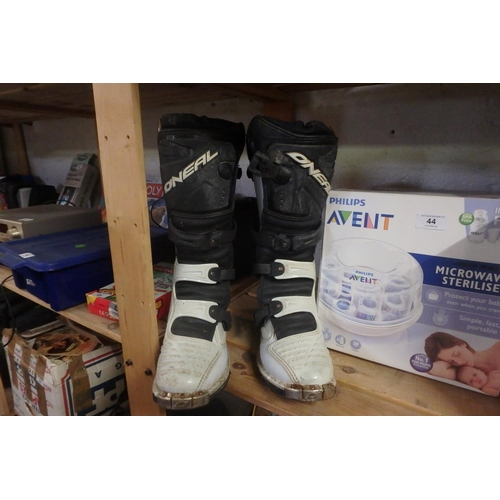 45 - PAIR OF O'NEAL MOTORBIKE BOOTS (SIZE 8 1/2)