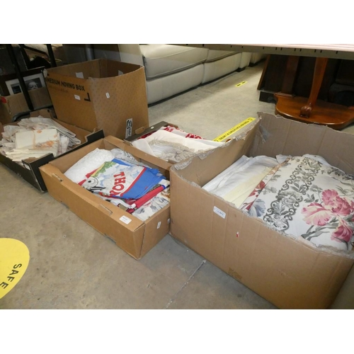 5 Mixed boxes of linens & lace