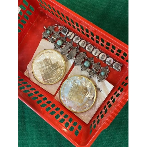 2 Paris pocket mirrors, Paris articulated bracelet & white metal bracelet