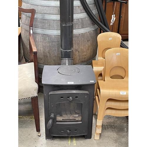 Log burning stove & pipe