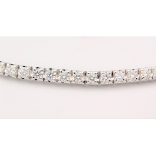 69 - Important Ladies Necklace Approximately 13.2 Carats of High Clear Diamonds Mounted on 18 Carat White...
