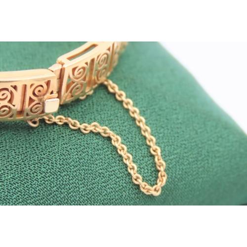 1103 - Finely Detailed 18 Carat Yellow Three Stone Aquamarine Decorated Ladies Bracelet Vintage. Aquamarine...