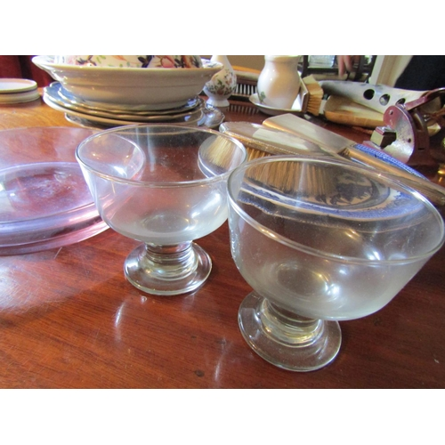 47 - Collection of Various Vintage Glass Wear Quantity As Photographed