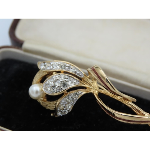 58 - 18 Carat Yellow Gold Diamond and Pearl Set Ladies Brooch Attractively Detailed