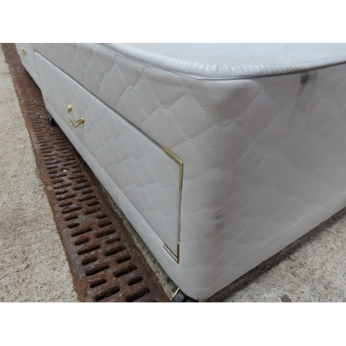 59 - Good Quality Modern Double Bed Base to Fit Mattress 5ft 6 Inches with Drawers