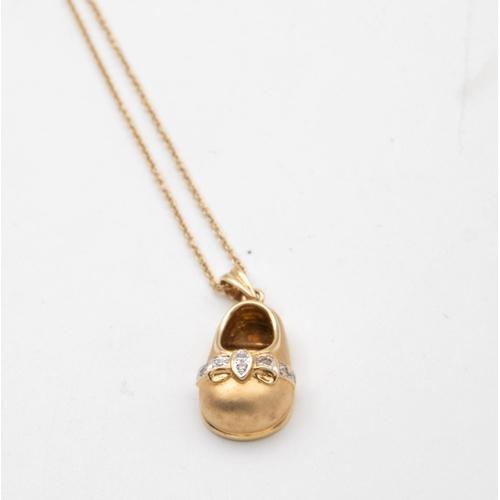 30 - 18 Carat Yellow Gold Shoe Motif Pendant Satin Finish Shoe with Ribbon Bow Collets Grain Set with Bri...